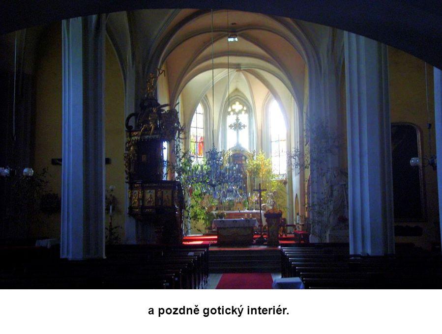 Trojlodní proboštský kostel Povýšení sv. Kříže má podobu z roku 1565