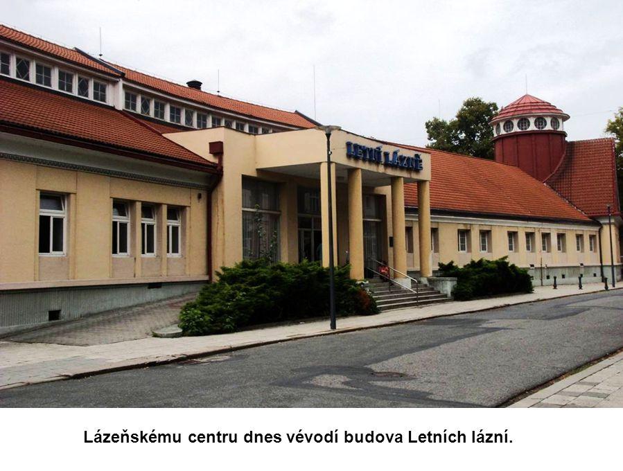 a vila Kouřimka, obě postavené v historizujícím stylu konce 19. století.