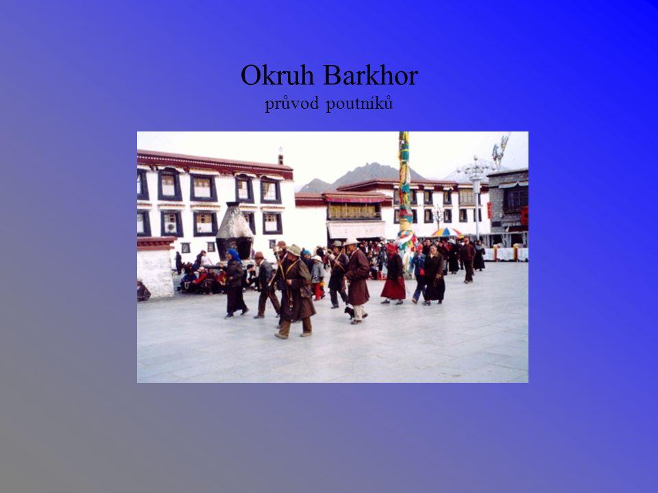 Okruh Barkhor průvod poutníků