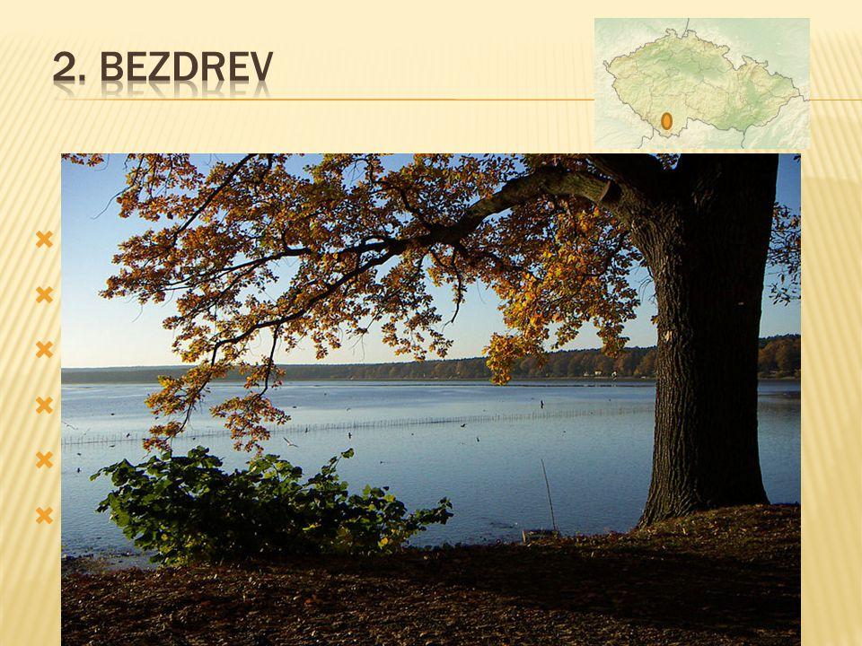  leží 4 km západně od Hluboké nad Vltavou  vybudován v letech 1490 - 1492  zaujímá 1.