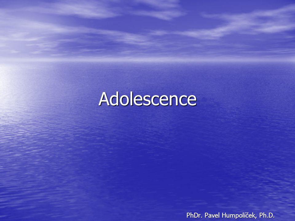 Na vrcholu mládí I Adolescence (od 15 do 20-22 let věku) adolesco = dospívat, vyvíjet se, vzmáhat se, mohutnět a sílit ADOLESCENCE JAKO ČAS PRO SPLNĚNÍ VÝVOJOVÉHO ÚKOLU toto hledisko zastával R.