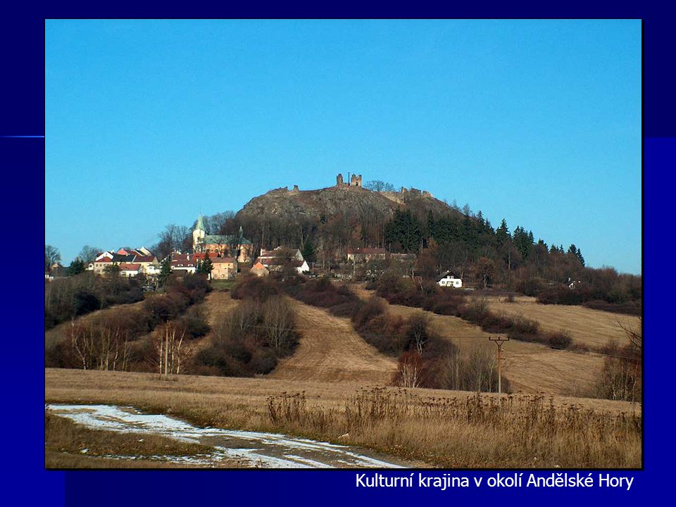 Bečov nad Teplou s dominantami hradu, zámku a kostela sv. Jiří