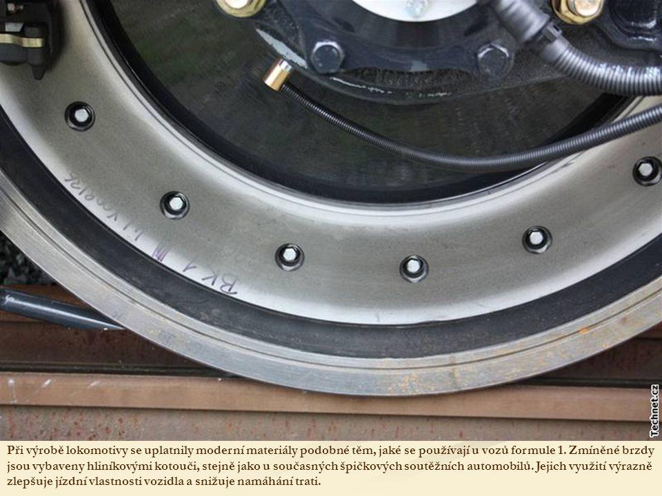 K brzdění slouží elektromagnetická brzda, jejíž účinek posilují dva typy brzd.