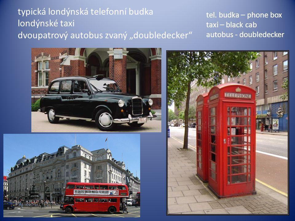 """typická londýnská telefonní budka londýnské taxi dvoupatrový autobus zvaný """"doubledecker"""" tel. budka – phone box taxi – black cab autobus - doubledeck"""