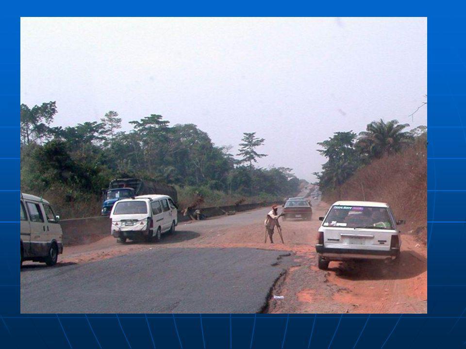Silnice: 194 394 km Silnice: 194 394 km Železnice: 3557 km Železnice: 3557 km Přístaviště: Calabar, Lagos, Onne, Port Harcourt, Sapele, Warri Přístaviště: Calabar, Lagos, Onne, Port Harcourt, Sapele, Warri Délka pobřeží: 853 km Délka pobřeží: 853 km Délka hranic: 4047 km Délka hranic: 4047 km Nebezpečí: opakující se období sucha, povodně Nebezpečí: opakující se období sucha, povodně