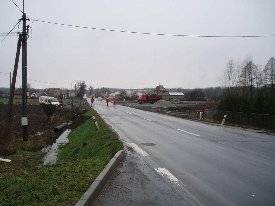 Uzavírka silnice I/11 Termín 22.4.2007 – 20.5.2007 Objízdná trasa ve směru na Český Těšín (Frýdek-Místek) vedena po silnici II/468 (ul.