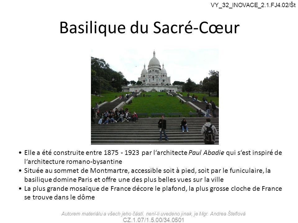 Basilique du Sacré-Cœur Elle a été construite entre 1875 - 1923 par l'architecte Paul Abadie qui s'est inspiré de l'architecture romano-bysantine Situ